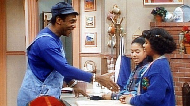 Cliff (Bill Cosby, l.) ahnt noch nicht, dass Vanessa (Tempsett Bledsoe, r.) b...