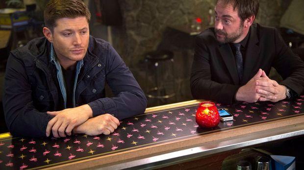 Als Dean (Jensen Ackles, l.) durch das Kainsmal immer aggressiver wird, muss...