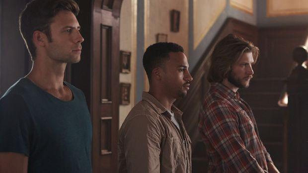 Müssen mit den Hexen eine Allianz eingehen: Nick (Steve Lund, l.), Logan (Mic...