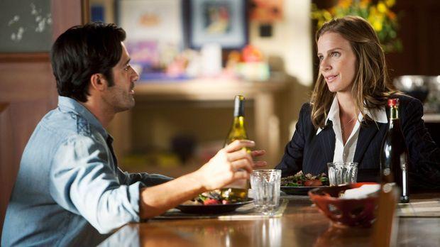 Das Weinfest steht unmittelbar bevor. Sarah (Rachel Griffiths, r.) drängt Luc...
