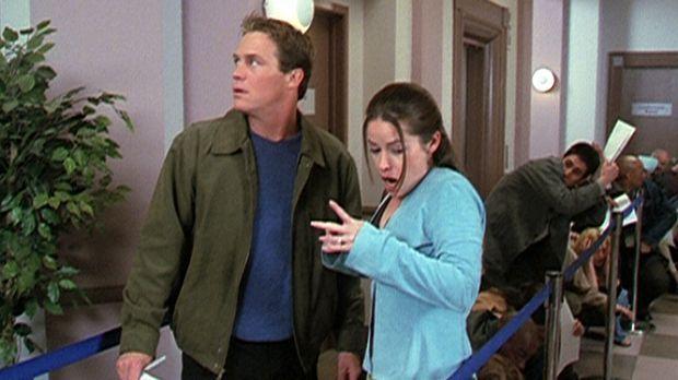Piper (Holly Marie Combs, r.) hat eine neue starke Macht erhalten, und Leo (B...