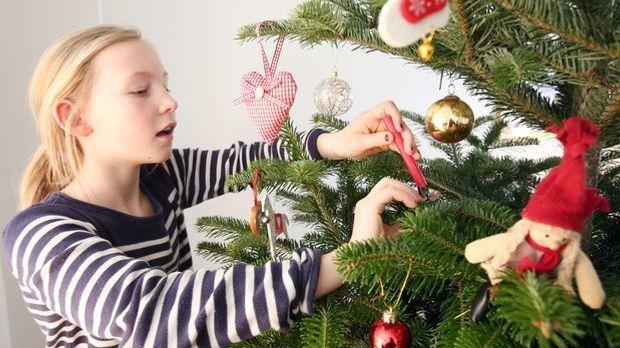 Weihnachtsdeko basteln_dpa