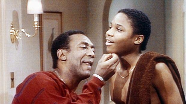 Theo (Malcolm-Jamal Warner, r.) möchte sich zum ersten Mal rasieren. Cliff (B...