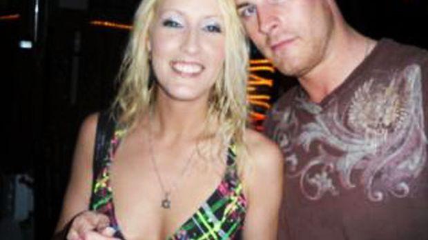 Das verheiratete Fetisch-Model Amanda Logue (l.) und der britische Pornostar...