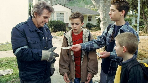 Malcolm (Frankie Muniz, 2.v.l.), Reese (Justin Berfield, 2.v.r.) und Dewey (E...