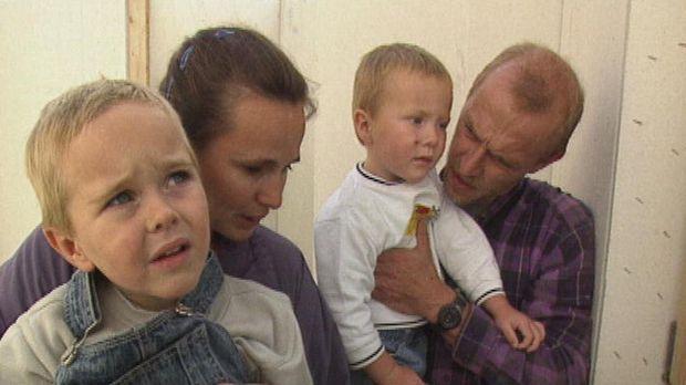 Immer wieder treten Probleme beim Hausbau auf, die Ralf (r.) und Christel Ohm...