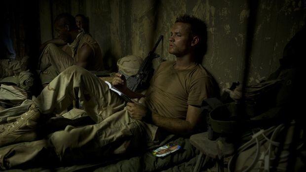 Als seine Kameraden eine antike Statue zerstören, ahnt Jeff Keller (Shane Wes...