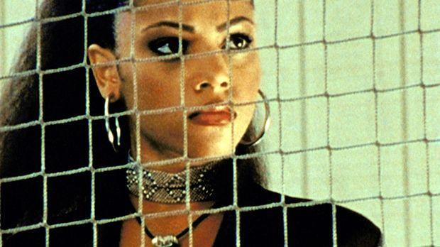 In Sunnydale ist ein unbekanntes Mädchen namens Kendra (Bianca Lawson) aufget...