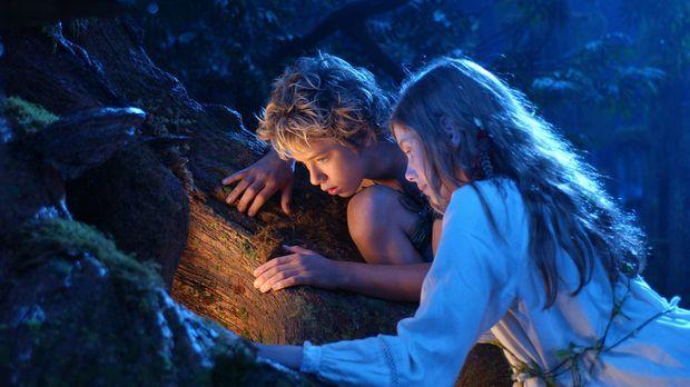 Eines Abends erscheint Peter Pan (Jeremy Sumpter, l.) in Wendys (Rachel Hurd-...