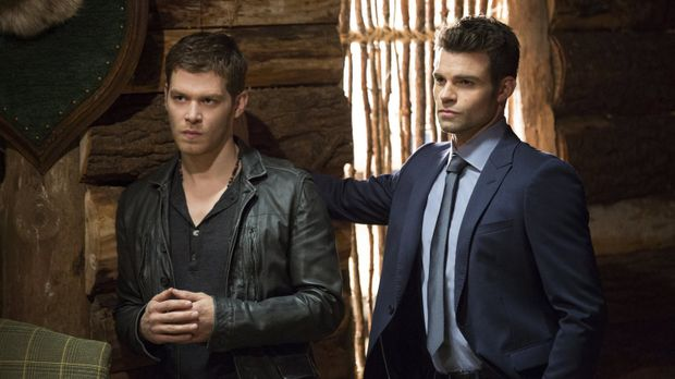 Als ihre Seelen in einer Fantasiewelt eingesperrt sind, müssen sich Klaus (Jo...