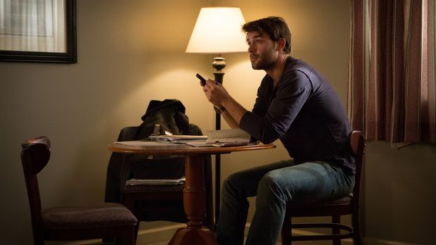 Die Suche nach Evan Lee geht weiter, doch Jackson (James Wolk) hat mit einem...