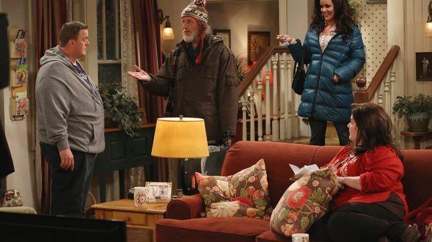 Mike (Billy Gardell, l.) will Molly (Melissa McCarthy, r.) an ihrem Geburtsta...