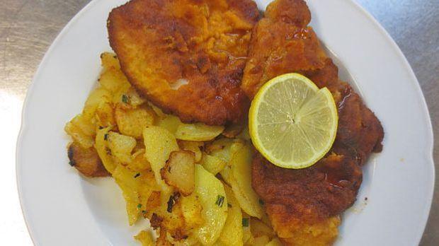 Schitzel-mit-Bratkartoffeln