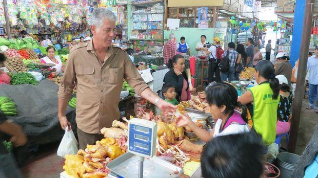 Auf seiner kulinarischen Reise begibt sich Anthony Bourdain (l.) nach Peru. E...