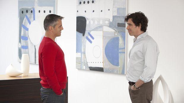 Noch ahnt Sean (Stephen Mangan, r.) nicht, was zwischen Matt (Matt LeBlanc, l...