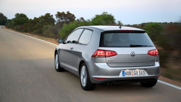 VW Golf VII back