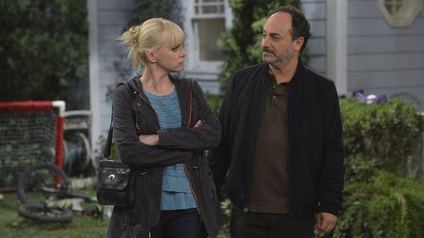 Endlich lernt Christy (Anna Faris, l.) ihren leiblichen Vater kennen: Die ers...
