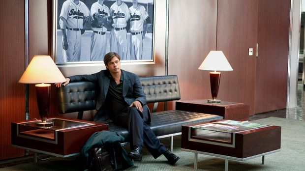 Als der ehrgeizige Teammanager Billy Beane (Brad Pitt) vergeblich versucht, a...