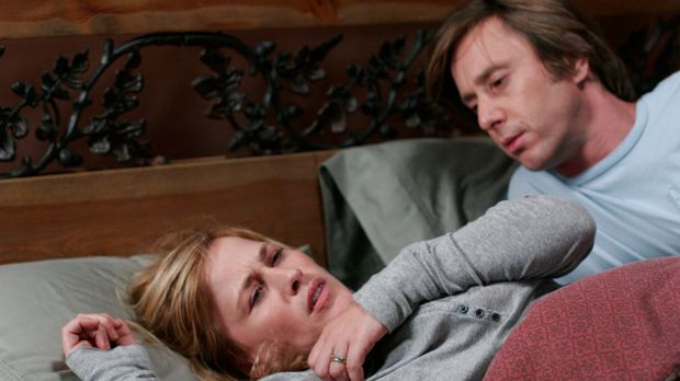 Joe (Jake Weber, r.) versucht seine Frau (Patricia Arquette, l.), die einen s...