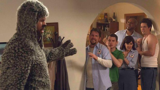Wilfred (Jason Gann, l.) befürchtet, seinen besten Freund Ryan (Elijah Wood,...