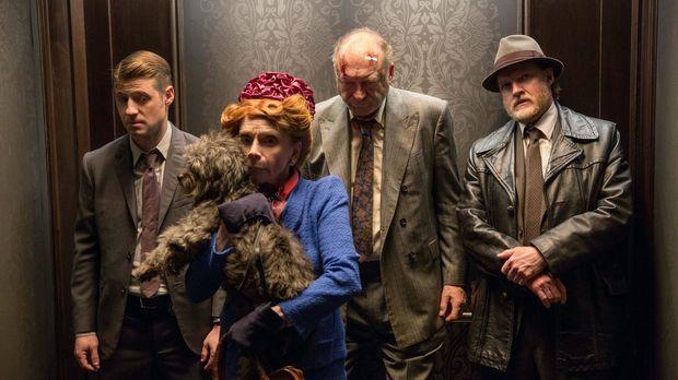 Der Bandenkrieg in Gotham City eskaliert immer weiter. Falcone (John Doman, 2...