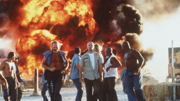 Con Air - Hemmungslose Killer: Cyrus 'The Virus' Grissom (John Malkovich, M.)...