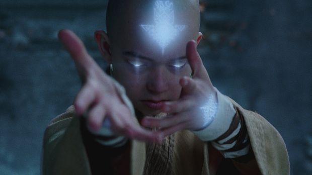 Befreit aus seinem Gefängnis im ewigen Eis erkennt der junge Luftnomade Aang...