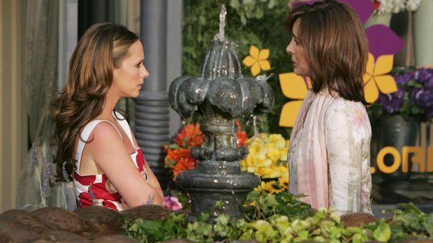 Immer wieder sucht Melinda (Jennifer Love Hewitt, l.) ihre Mutter Beth Gordon...