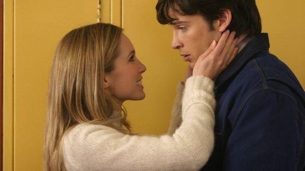 Als Clark (Tom Welling, r.) erfährt, dass seine hübsche Mitschülerin Alicia (...