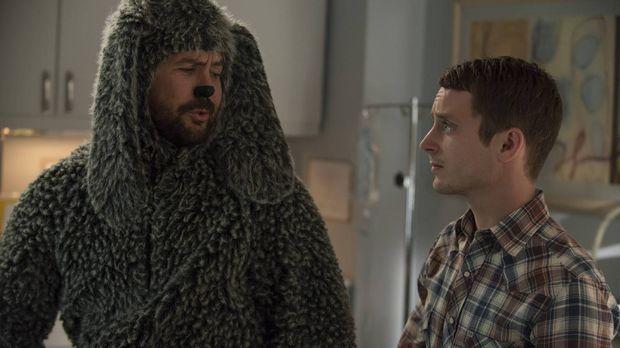Ryan (Elijah Wood, r.) will Wilfred (Jason Gann, l.) beweisen, wer der Meiste...