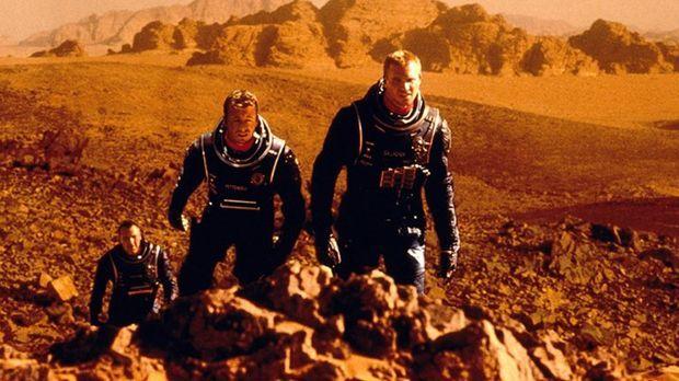 Da die Erde vor dem unaufhaltsamen Untergang steht, wird ein Astronautenteam...