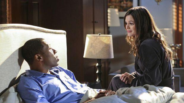 Zoe (Rachel Bilson, r.) muss unbedingt mit jemandem über ihre Liebesprobleme...