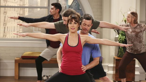 Als Felix (Thomas Lennon, vorne r.) spontan eine Yogastunde unterrichtet, ist...