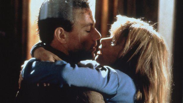 Ganz große Liebe: Sam (Jean-Claude van Damme, l.) und Clydie (Rosanna Arquett...