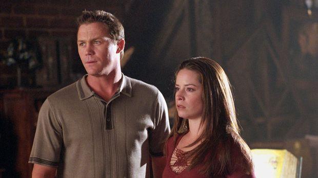 Piper (Holly Marie Combs, r.) und Leo (Brain Krause, l.) sind schockiert, als...