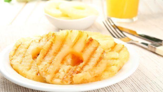 Ananas-grillen