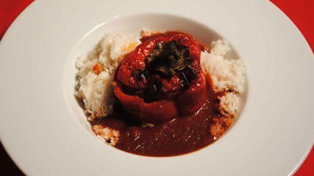Dieses Gericht kocht sich fast von selbst: gefüllte Paprika