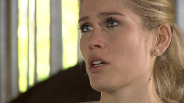 Seit dem Tod ihrer Mutter lässt Alexandra keinerlei Gefühle zu. Auf dem Reite...
