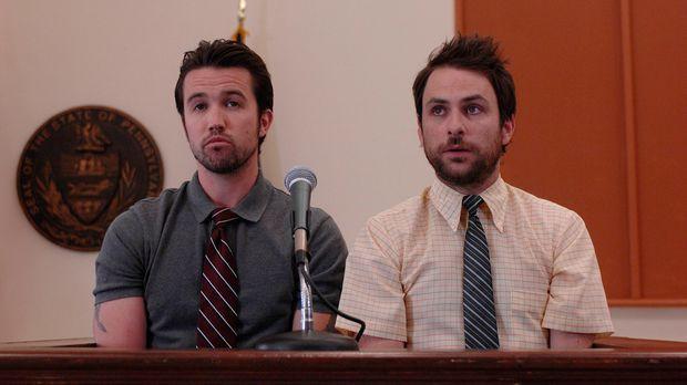 Charlie (Charlie Day, r.) und Mac (Rob McElhenney, l.) sehen nur eine Chance,...
