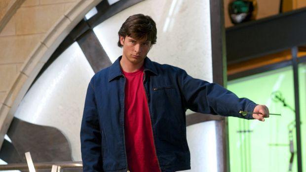 Weil der Green Arrow seiner Mutter eine Kette gestohlen hat, ist es Clark (To...