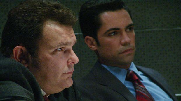 Der aktuelle Fall bereitet Det. Nick Vera (Jeremy Ratchford, l.) und Det. Sco...