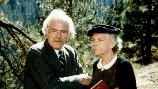Großvater Sam (Will Geer, l.) und Großmutter Ester (Ellen Corby, r.) können n...