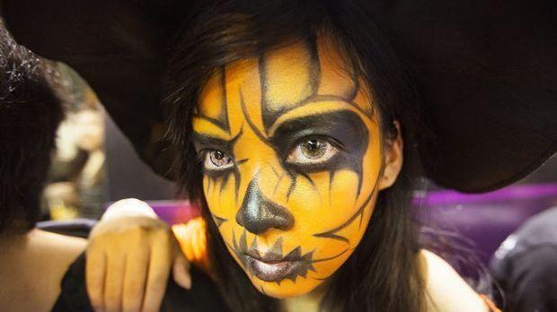Halloween Schminke_dpa
