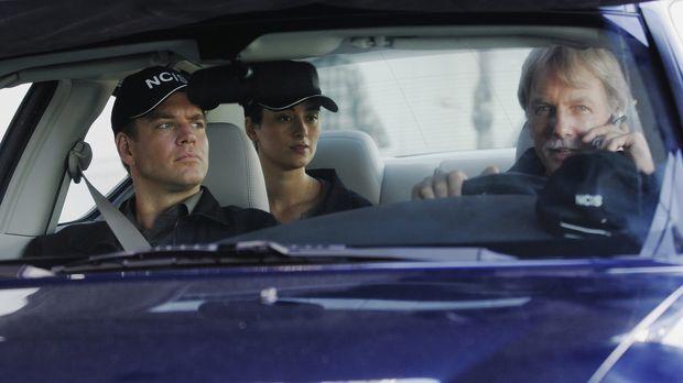Dem Täter auf der Spur?: Gibbs (Mark Harmon, r.), Tony (Michael Weatherly, l....