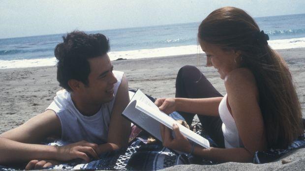 Gemeinsam mit seiner Freundin Ashley (Schuyler Fisk, r.) macht sich Shaun (Co...