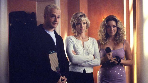 Ahnt Elaine (Jane Krakowski, r.) bereits, dass die Beziehung von Billy (Gil B...