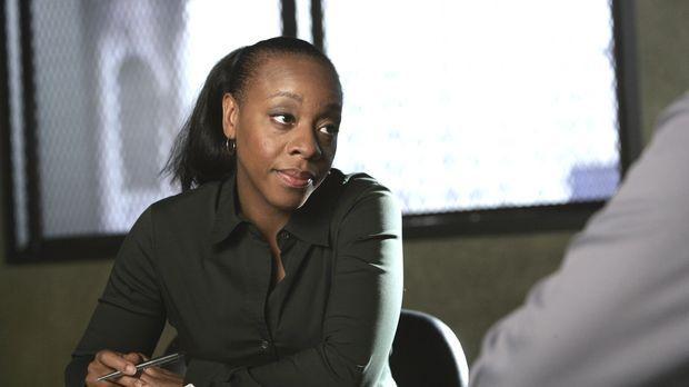 Vivian (Marianne Jean-Baptiste) und das Team suchen nach Barry Rosen, einem W...