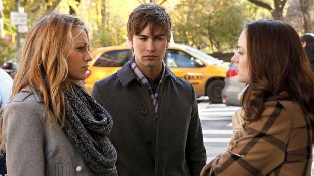 Blair (Leighton Meester, r.) hat das Gefühl, dass Chuck sich immer mehr versc...