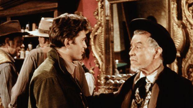 Wenn der alte Don Jose (Ramon Novarro, r.) einen über den Durst getrunken hat...