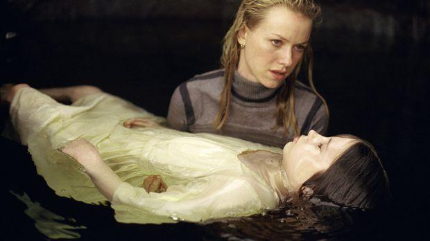 Ein gnadenloser Wettlauf mit der Zeit beginnt für Rachel (Naomi Watts, l.) un...